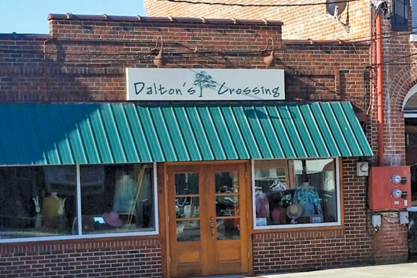 Dalton's Crossing - More Than a Boutique - It's an Experience!