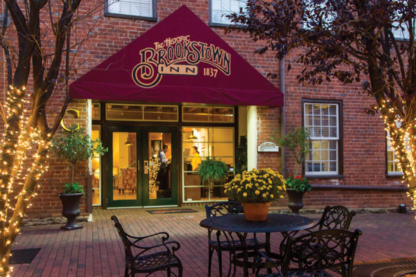 Rosey's Review:  Brookstown Inn's Cotton Mill Lounge