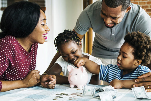 Budget Bzzz: Teaching Kids How to Save Money