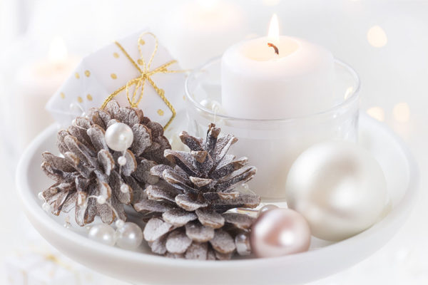 Surprisingly Simple Holiday Centerpieces